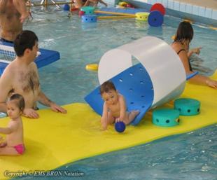 jeu bebe nageur